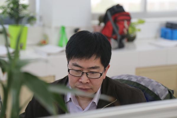 陈长宏工作照.jpg