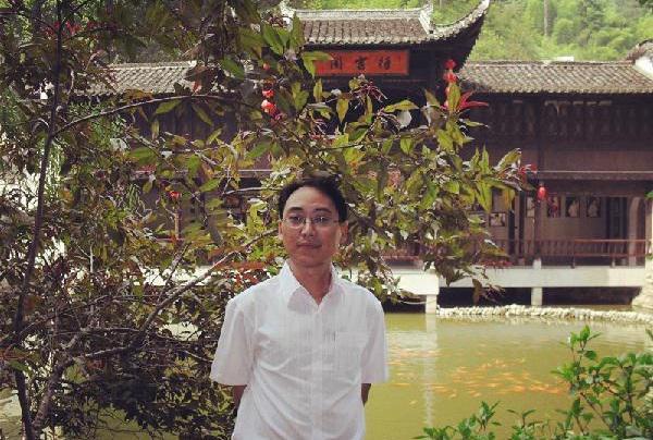 王加元new.jpg