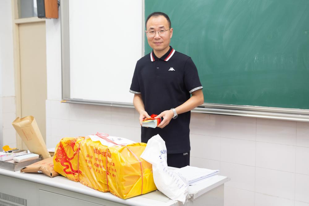 老师临别再嘱托 (1).jpg